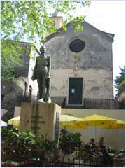 war memorial in corniglia